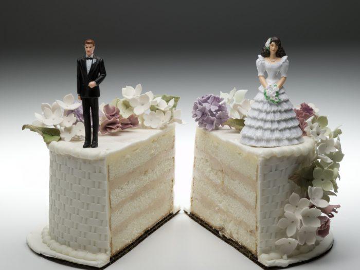 divorce-cake-split